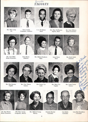 Page 11, 1970 Edition, Jefferson Avenue Junior High School - Piggy Yearbook (Texarkana, AR) online yearbook collection
