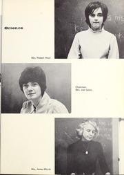 Abbot Academy - Circle Yearbook (Andover, MA) online yearbook collection, 1970 Edition, Page 21