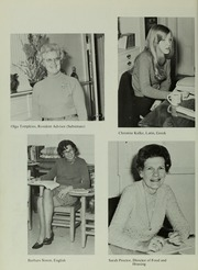 Abbot Academy - Circle Yearbook (Andover, MA) online yearbook collection, 1972 Edition, Page 38
